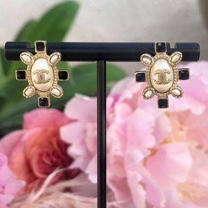 Gold add deco Chanel stud earrings